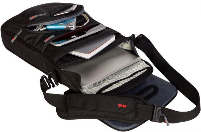 Review   Vertical Laptop Bag from STM 593c09707d46