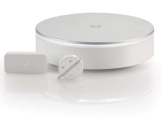 review myfox myfox home alarm myfox security camera. Black Bedroom Furniture Sets. Home Design Ideas