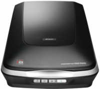 Epson Perfection V500 flat-bed photo scanner closed