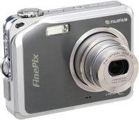FujiFilm Finepix V10 camera