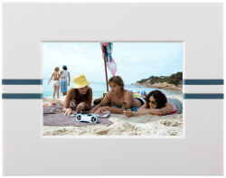 Parrot digital picture frame