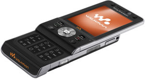 Sony Ericsson W910i open, showing keyboard